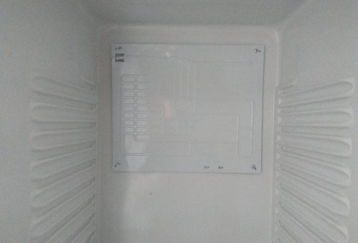 Установка испарителя в холодильной камеры двух-компрессорного холодильника