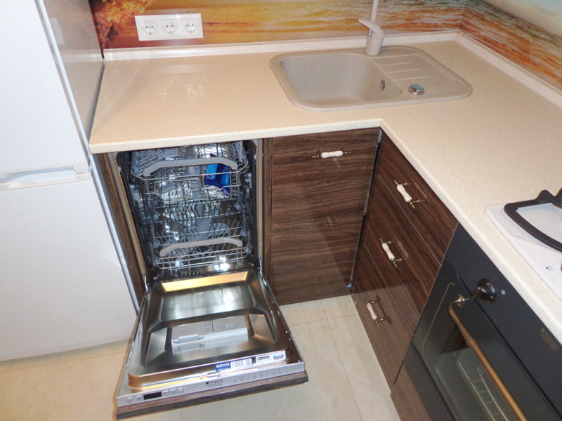 Можно ли ставить посудомойку рядом с холодильником