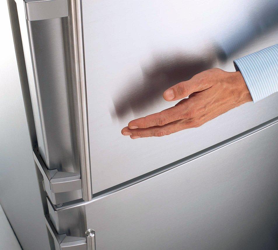 Почему греется дверь холодильника