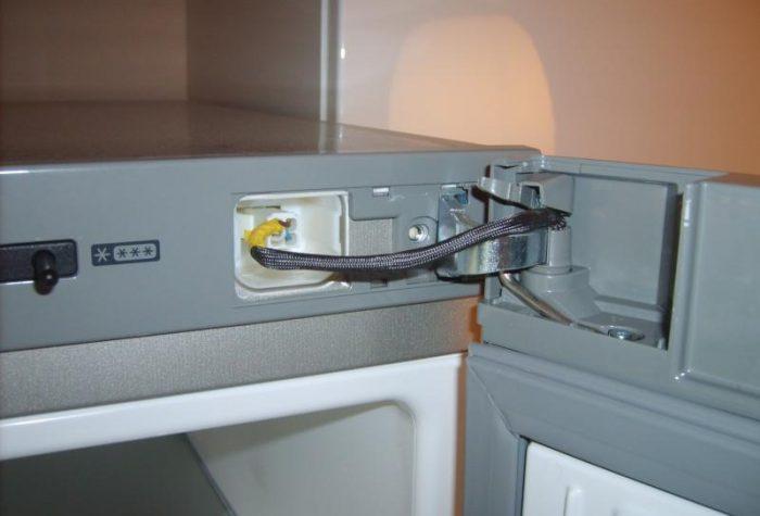 Перенавеска, регулировка двери холодильника